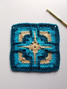Star Portal Square is a free pattern worked in overlay crochet which is very textural. Triple Crochet Stitch, Double Crochet, Star Portal, Knitting Patterns, Crochet Patterns, Snuggle Blanket, Crochet Blocks, Square Patterns, Crochet Fashion