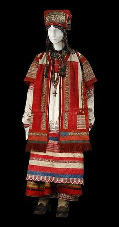 Russian folk costume from Ryazan' - Beautiful Ethnic Outfits, Ethnic Dress, Ethnic Clothes, Russian Beauty, Russian Fashion, Russian Folk, Russian Art, Russian Style, Costume Russe