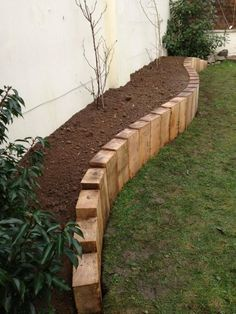 Landscape Edging Stone, Landscape Design, House Landscape, Garden Cottage, Garden Beds, Big Garden, Rocks Garden, Garden Walls, Garden Shrubs