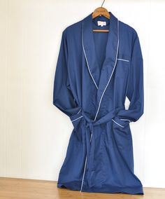 Great beach cover up for this summer! Vintage Men's Bath Robe Womens Unisex $22.00 by ArmorOfModernMen #beachfashion #bathingsuitcoverup #houserobe #vintagefashionclothing