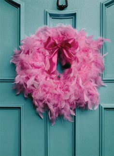 How to make a feather boa wreath - Chatelaine