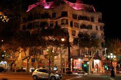 Reiseguide om Barcelona i Spania fra Reiseplaneten La Pedrera, Barcelona, Street View, Travel, Barcelona Spain