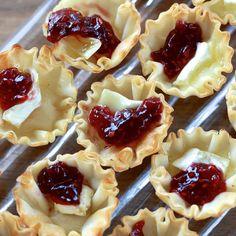 Raspberry Brie Bites: 24 Mini Fillo Shells, 1 log Brie, Raspberry Jam
