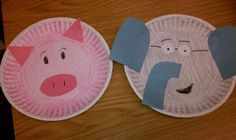 Elephant and Piggie by Mo Willems preschool storytime craft! (We used already gray and pink paper plates) Paper Plate Crafts, Book Crafts, Paper Plates, Preschool Friendship, Friendship Theme, Piggie And Elephant, Knuffle Bunny, Elephant Crafts, Mo Willems