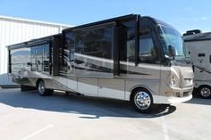 Check out this 2009 Damon Challenger Platinum 371 listing in Houston, TX 77074 on RVtrader.com. It is a  Class A and is for sale at $72495.