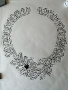 Фотография Romanian Lace, Bobbin Lacemaking, Bobbin Lace Patterns, Paper Fashion, Crochet Round, Lace Collar, Lace Design, Fabric Painting, Crochet Clothes