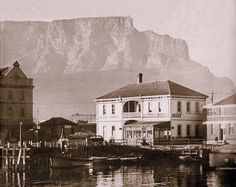 High resolution photos and images in picture galleries all around Cape Town and South Africa Old Pictures, Old Photos, Vintage Photos, Cape Town South Africa, Most Beautiful Cities, My Land, Old Buildings, African History, City