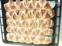 Cesnakové trojhranky (fotorecept) - recept | Varecha.sk No Salt Recipes, Ale, Meat, Food, Ale Beer, Essen, Meals, Yemek, Eten