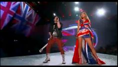 Thus began the #VSFashionShow with the participation of #TaylorSwift @Victoria's Secret