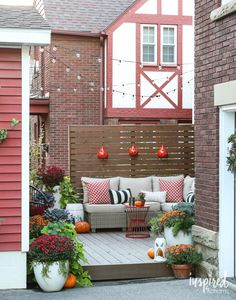 Let's explore a number of the very best fall outdoor decoration ideas. Fall outdoor decoration doesn't need to be expensive. Patio Decorating Ideas On A Budget, Porch Decorating, Patio Ideas, Decor Ideas, Diy Patio, Budget Patio, Small Deck Ideas On A Budget, Garden Ideas, Backyard Ideas