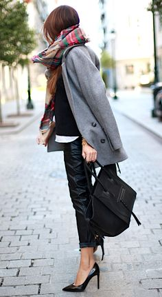 A long grey coat and tartan scarf: http://rstyle.me/n/ribkeqtsn #falloutfits #fallstyle