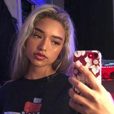 pasabist via insta july 2018 Makeup Goals, Makeup Inspo, Makeup Inspiration, Skin Makeup, Beauty Makeup, Hair Beauty, Dye My Hair, Grunge Hair, Green Hair