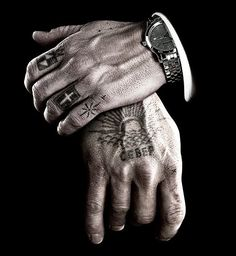Viggo Mortensen, Eastern Promises 2007 - Director: David Cronenberg Photographic Collection 4 […more Images] Russian Prison Tattoos, Russian Tattoo, Sexy Tattoos, Tattoos For Guys, Cool Tattoos, Tatoos Men, Classy Tattoos, Tattoo Main, I Tattoo