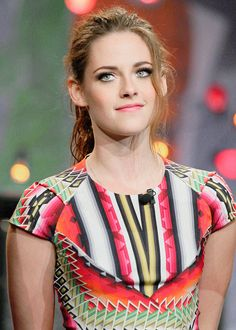 Welcome to Kristen Source; your best source for everything of the talented American actress Kristen Stewart related, best known for her role as Bella Swan in The Twilight Saga, you may also know her from her other projects such as The Runaways, Snow. Teresa Palmer Kristen Stewart, Kristen Stewart And Stella, Kristen Stewart Movies, Kirsten Stewart, Bella Swan, John Stewart, Stella Maxwell, Robert Pattinson, Hollywood Celebrities