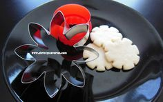 Easy monster tires! flower and wavy edge circle cookie cutters