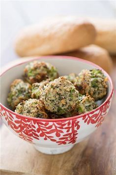 I love a good vegetarian meatball recipe and these Broccoli Parmesan Meatballs are one of my favorites. They& made with broccoli, cheese, and almonds. Healthy Recipes, Veggie Recipes, Vegetarian Recipes, Cooking Recipes, Broccoli Recipes, Freezer Cooking, Freezer Meals, Recipes Dinner, Broccoli Dishes