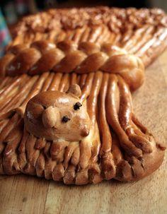 Incredible workmanship & even includes a mouse!   = Harvest Festival Sheaf