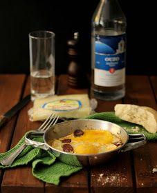 Saganaki con uova, soutzouki e kaseri. Mezès per pochi eletti!!!!!!