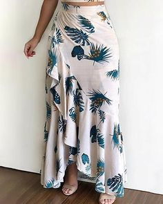 Latest African Fashion Dresses, African Print Fashion, Trend Fashion, Fashion Outfits, Fashion Ideas, Mode Top, Classy Dress, Cami Tops, Skirt Outfits