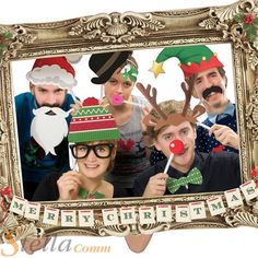 Festive Photo Booth With a Large Picture Frame and Christmas Theme Props Christmas Photo Booth Props, Funny Christmas Photos, Xmas Photos, Funny Christmas Cards, Christmas Photo Cards, Party Photos, Family Photos, Christmas Frames, Office Christmas