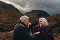 The most romantic and beautiful couple shoot with a beautiful older Scottish couple Rosmond and John - Older couple photoshoot in Glencoe Scotland Older Couple Poses, Older Couples, Couple Posing, Couple Shoot, Old Couple Photography, Engagement Photography, Wedding Photography, Married Couple Photos, Grandparent Photo