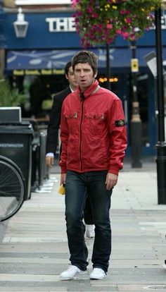 Liam And Noel, Beady Eye, Liam Gallagher, It Takes Two, Britpop, British Invasion, Playing Guitar, British Style, Musica