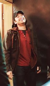 omg sebbie!! let's👏🏽have👏🏽bucky👏🏽smile👏🏽like👏🏽this👏🏽