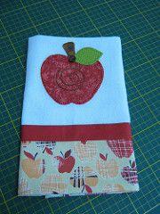 Pano de copa (Zion Artes por Silvana Dias) Tags: apple patchwork cozinha ma aplicao patchcolagem panodeprato panodecopa patchapliqu zionartes