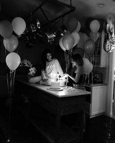 Selena Gomez News: Photo Cute Birthday Pictures, Cute Couple Pictures, Birthday Photos, Birthday Goals, 20th Birthday, Happy Birthday Me, Birthday Ideas, Selena Gomez Birthday, Birthday Photography