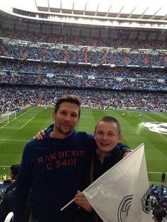 STANDARD SAN BERNABEU (Miércoles: Real - Bayern): Rišo con su amigo Viktor Kríž, que lo consiguió para el partido.