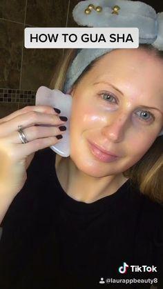 The Best Rose Quartz Gua Sha Pink Jade Guasha Massaging & Scraping Tool for Eye & Face Treatment. Superior Rose Quartz for Massaging Detoxing Anti-Ageing Facial Lifting Glowing Skin Healing Beauty Tips For Glowing Skin, Health And Beauty Tips, Face Yoga, Face Massage, Face Skin Care, Tips Belleza, Skin Makeup, Beauty Care, Natural Skin Care