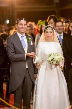 Wedding Nicholas de Roumanie Medforth Mills and Alina Maria Binder Oct 2018 Royal Wedding Gowns, Royal Weddings, Wedding Dresses, Wedding Bride, Romanian Royal Family, Romanian Girls, Marriage Dress, 1st Wedding Anniversary, Casa Real