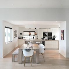 Gorgeous Ikea Kitchen Design Ideas 19 The kitchen is one of the most important rooms in any home. It is a space that should be functional, … Dining Room Arm Chairs, Ikea Kitchen Design, Kitchen Remodel, Interior Design Kitchen, Dining Room Decor, Home Kitchens, Rustic Kitchen, Kitchen Living, Kitchen Design