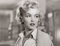 film vintage portrait marilyn monroe old hollywood my scan niagara Marylin Monroe, Marilyn Monroe Photos, Joyce Carol Oates, Joe Dimaggio, Brad Pitt, Norma Jeane, Vintage Hollywood, Hollywood Icons, Hollywood Glamour