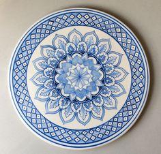 Mandala Meditation, Mandala Art, Pottery Painting Designs, Paint Designs, Geometric Patterns, Glazes For Pottery, Glazed Pottery, Mandalas Painting, Plate Art