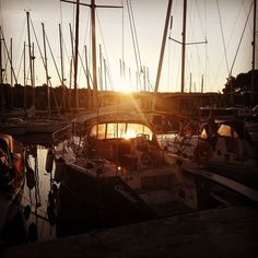 good morning world   #davidlenherr #cantoria #sycantoria #digitalnomad #workfromanywhere #vrboska #sailinglife #sailing