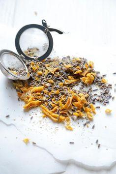 DIY Tea Blends - Five herbs, flowers and fruits that make infinite new blends!