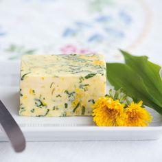 Butter mit Löwenzahn - New Ideas Vegan Clean, Kraut, Creative Food, Butter Dish, Veggie Recipes, Finger Foods, Clean Eating, Food Porn, Brunch