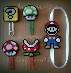 Mario Bookmark and clips Melt Beads Patterns, Craft Patterns, Beading Patterns, Plastic Canvas Stitches, Plastic Canvas Crafts, Plastic Canvas Patterns, Hama Beads Mario, Perler Beads, Hama Beads Design