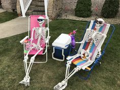 Halloween Front Yard Decor Ideas That Will Give a Haunted Feel to Your House - Gravetics - Ylvi Halloween Veranda, Halloween Outside, Halloween Camping, Halloween Prop, Halloween Goodies, Outdoor Halloween, Holidays Halloween, Halloween Crafts, Halloween Ideas