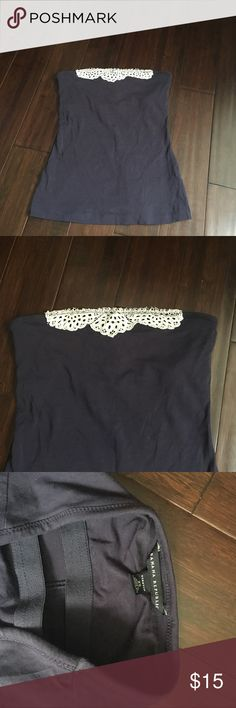 Navy Banana Republic Tube Top Navy color with white lace detail at top Stretch fabric Built in bra Banana Republic Tops