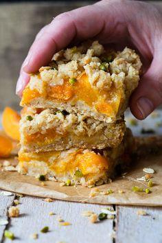 Vegan Sweets, Healthy Sweets, Clean Eating Sweets, Oatmeal Cake, Sweet Bakery, Food Tasting, Breakfast Bake, Vegan Cake, Foods To Eat