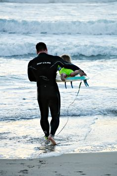surfer dad and son--I want this to be my husband and kid!!