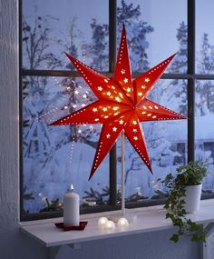 Christmas is a wonderful time, which includes beautiful decorations in the house. The beautiful Christmas window decorations welcome your guests and Merry Little Christmas, Christmas Star, Scandinavian Christmas, Christmas Holidays, Christmas Crafts, Sweden Christmas, Ikea Christmas Lights, Christmas Design, Ikea Xmas