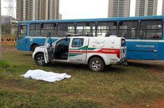 Motorista de ônibus no DF morre ao volante após infarto e passageiro corre para frear o veículo - http://noticiasembrasilia.com.br/noticias-distrito-federal-cidade-brasilia/2015/10/31/motorista-de-onibus-no-df-morre-ao-volante-apos-infarto-e-passageiro-corre-para-frear-o-veiculo/