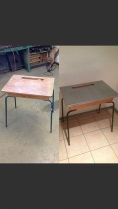 Table d'écolier en zinc vernie