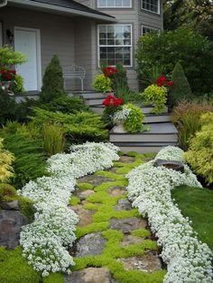 Brilliant 25 Beautiful Front Yard Garden Walkway For Best Inspiration http://goodsgn.com/gardens/25-beautiful-front-yard-garden-walkway-for-best-inspiration/