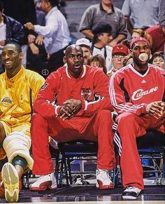Michael Jordan Basketball, Lebron James Michael Jordan, Lebron Jordan, Mvp Basketball, Kobe Lebron, Lebron James Basketball, Basketball Legends, College Basketball, Lebron James Lakers