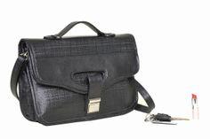 Ta wyjątkowa torba jest współczesną wariacją na temat teczki. Idealnie sprawdzi się w miejskiej dżungli, na ważnym spotkaniu firmowym ale i podczas codziennej przeprawy przez miasto.