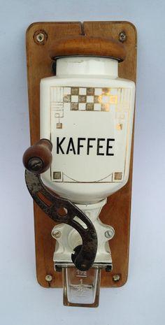 alte Kaffeemühle Wandkaffeemühle Art Déco Keramik